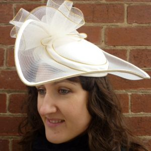 beautiful_white_tulle_wave_hat1