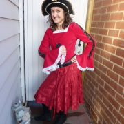 girl_pirate_red_costume1